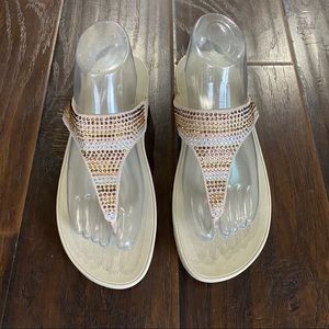 New Fitflop Tan Strobe Luxe Toe Post Thong Sandal